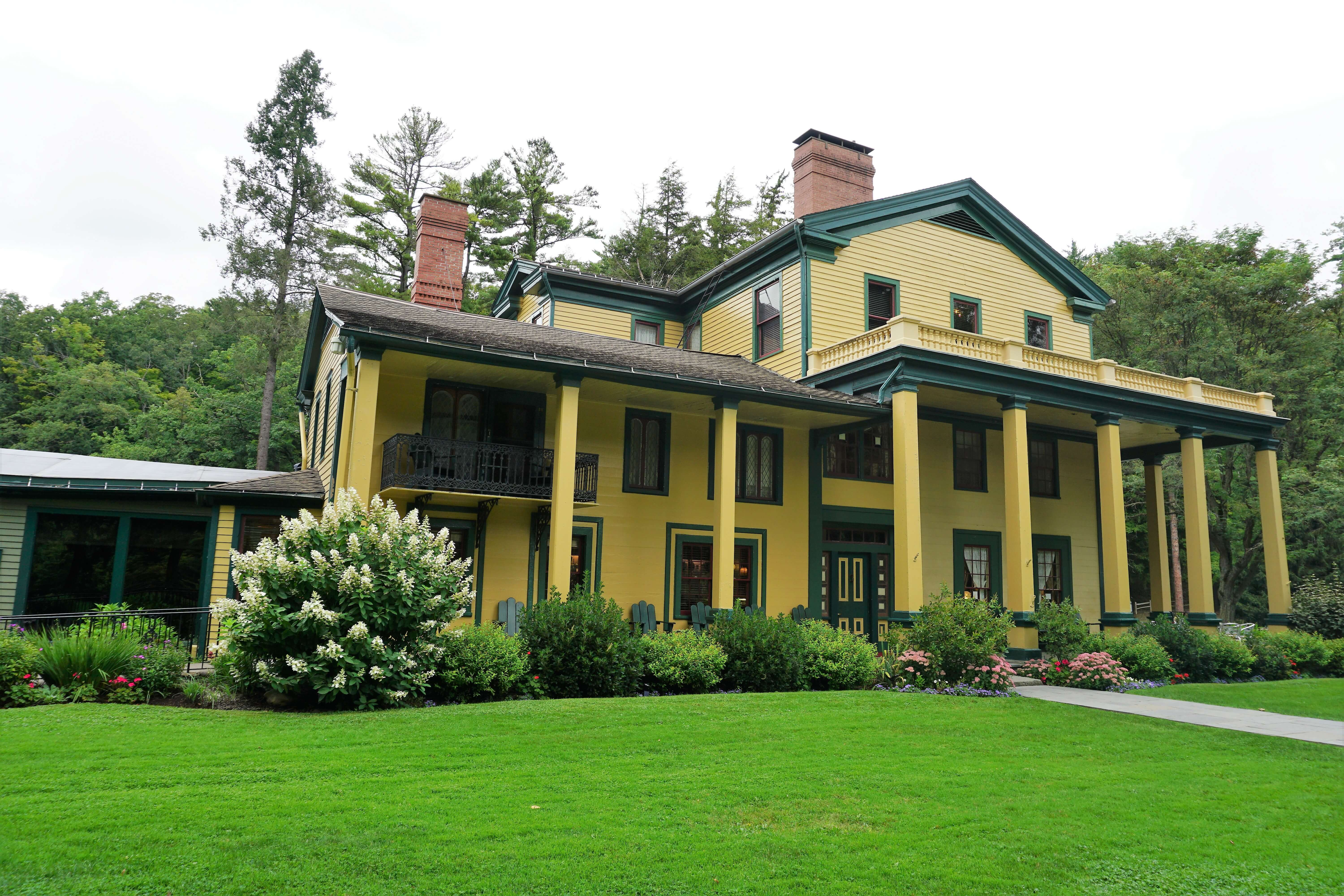 Finger Lakes hiking--Glen Iris Inn at Letchworth State Park