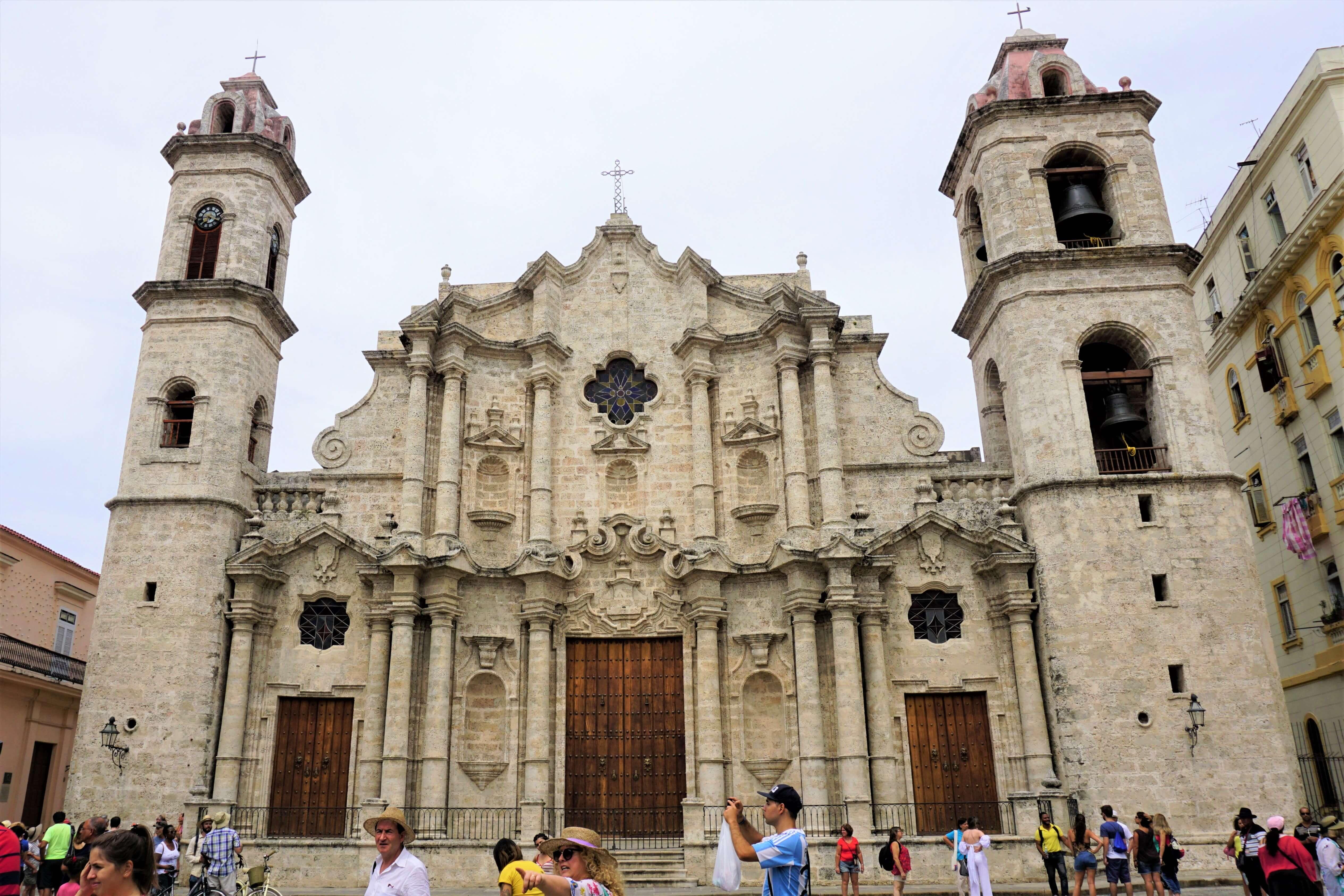 Catedral de San Cristobal located in Plaza de al Catedral