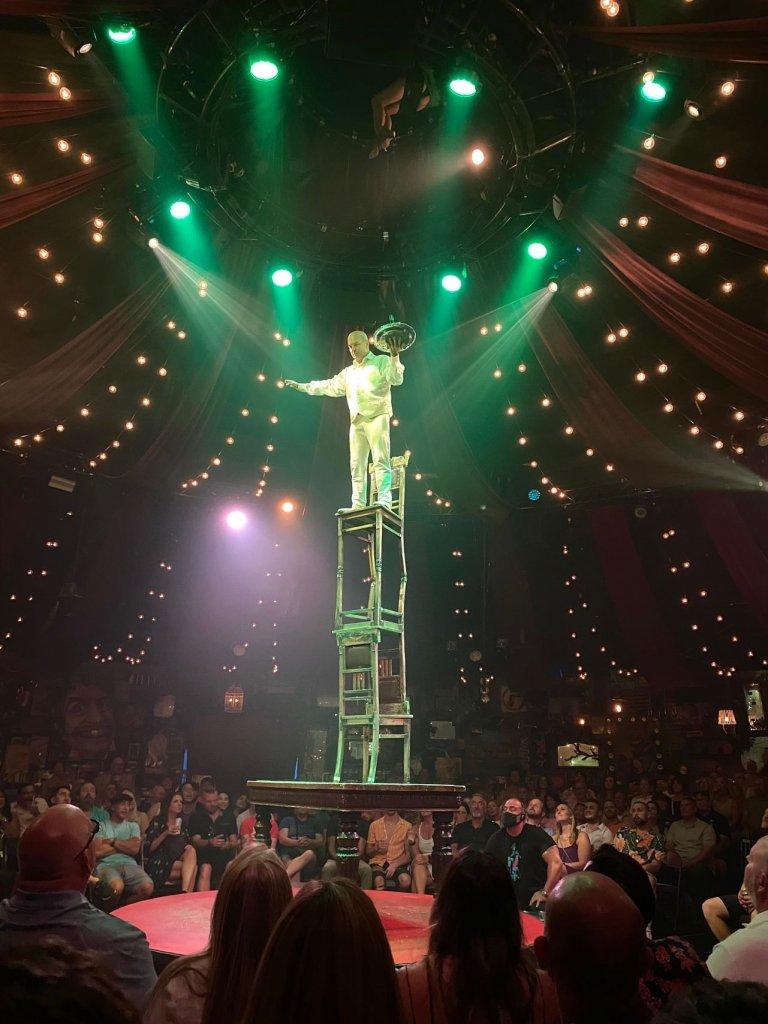 Vegas show, Absinthe